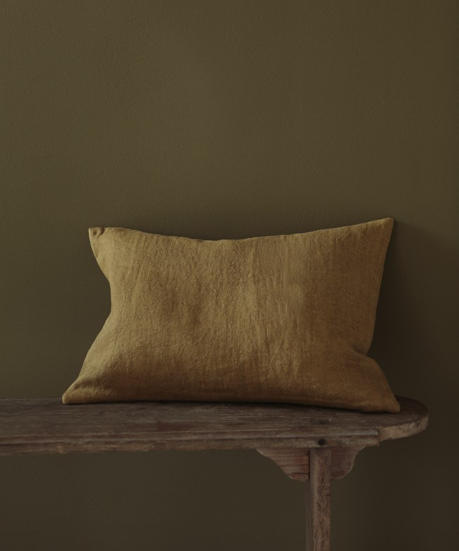 coussin lin ocre