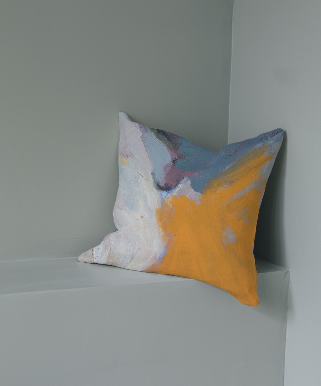 coussin lin orange piscine