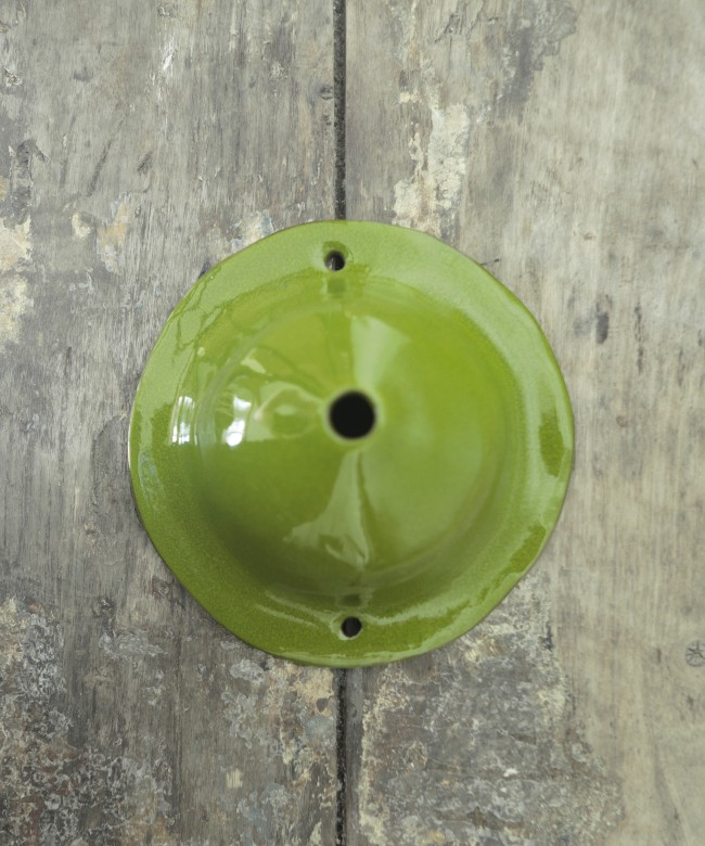 Round ceiling cup