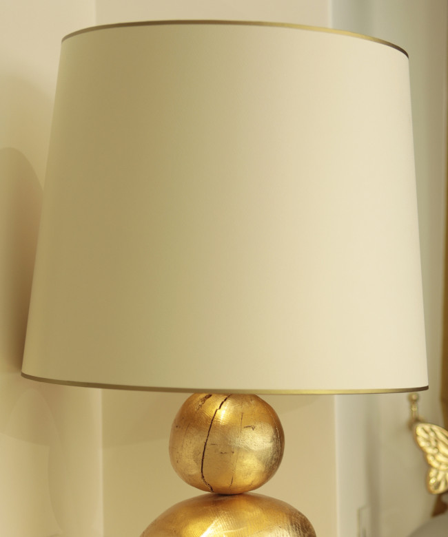 golden wooden pebbles lamp