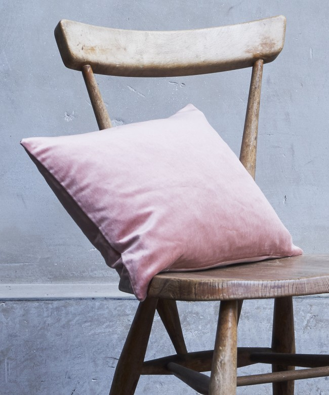 coussin velours vieux rose
