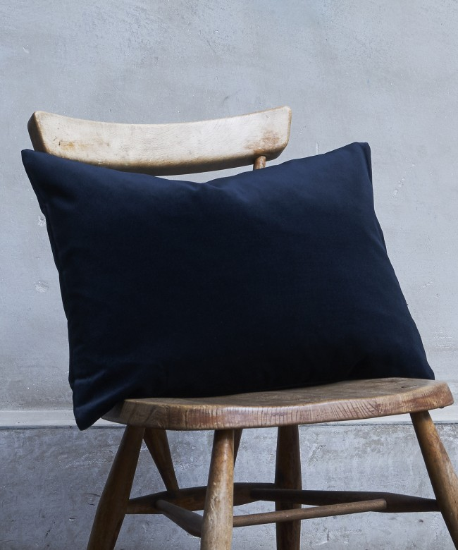 coussin velours outremer