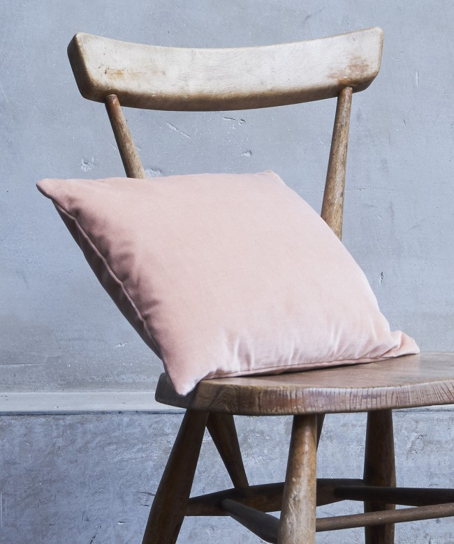 coussin velours rose