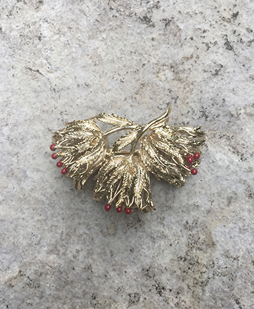 red pistil flower hair clip l