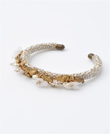 hanamizuki bangle with pearls