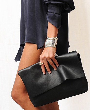 lou purse black
